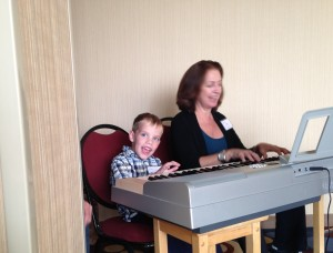 Luke Seston joins Andrea Green in playing some upbeat musical numbers.